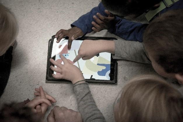 Ålese bildebok-apper sammen med barna: muligheter og begrensinger