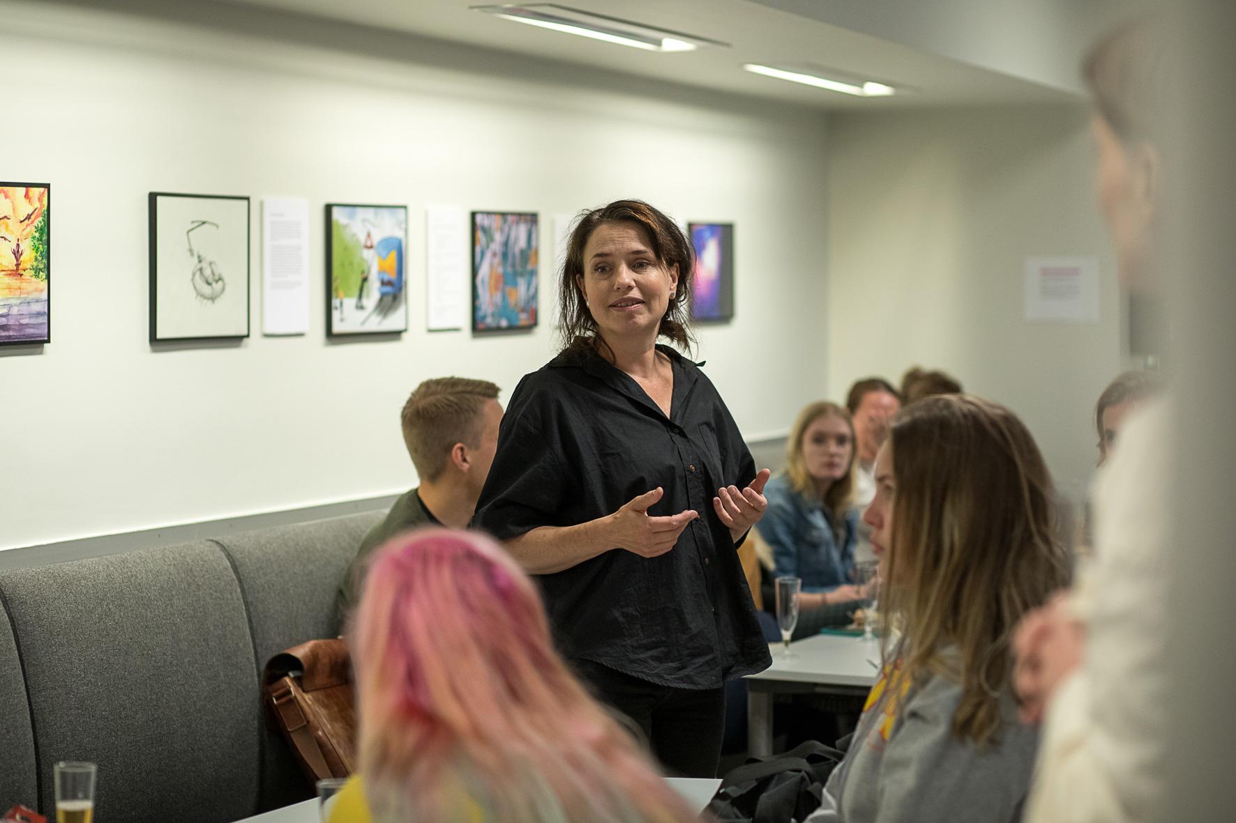 Forfatter- og illustratørstudenter samarbeidet om felles prosjekter